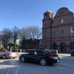 Przed kościołem Św. Anny na Nikiszowcu.